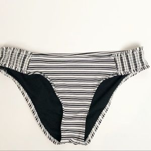 Mossimo black and white bikini bottoms